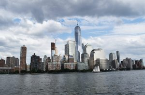Skyline of New York that makes you wonder how to start a business in NYC in 2021
